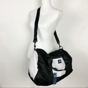 🚨3 LEFT🚨Hollister Duffle Bag NWT